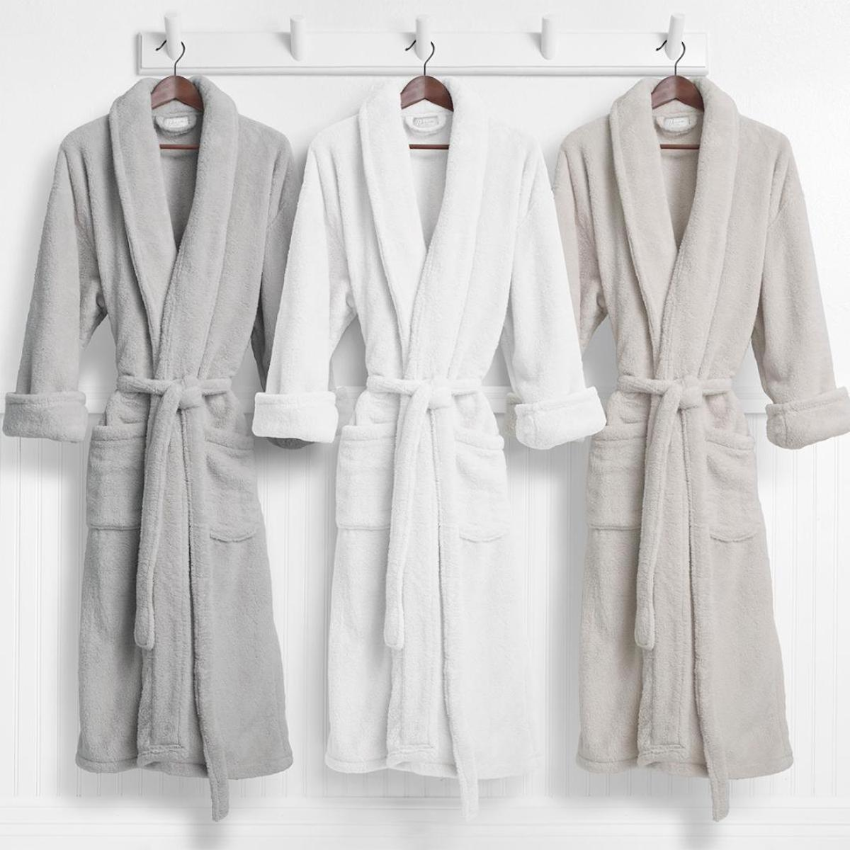 PLUSH ROBES FOR LOUNGING Header Image